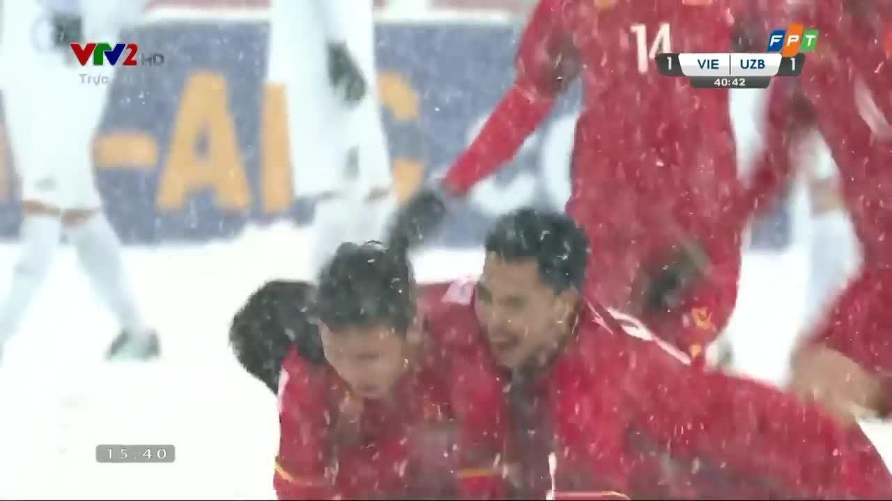 Quang Hải gỡ hòa 1-1 trong trận chung kết gặp Uzbekistan