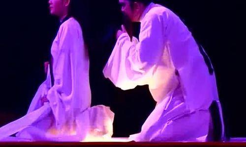 Hữu Châu vào vai Nguyễn Trãi trong 'Bí mật vườn Lệ Chi'