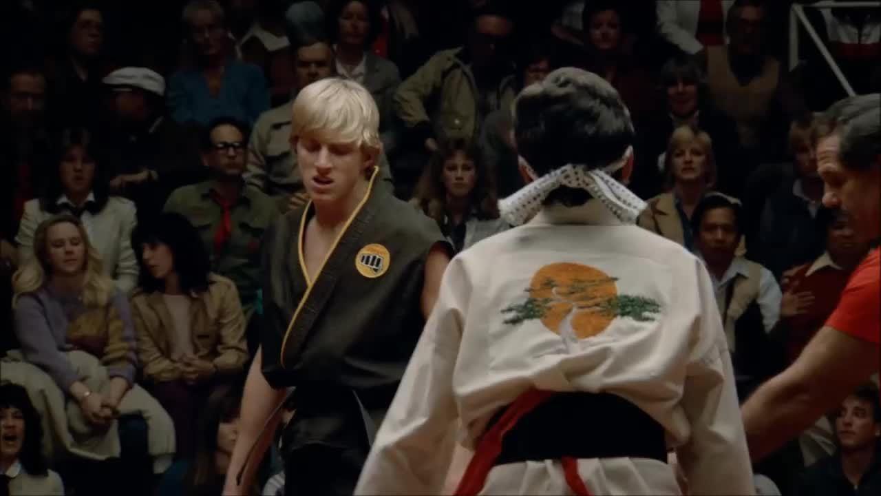 Cobra Kai kể tiếp câu chuyện của The Karate Kid