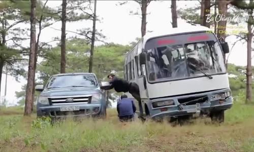 """Hậu trường cảnh hành động trên xe trong phim """"Lật mặt 3"""""""