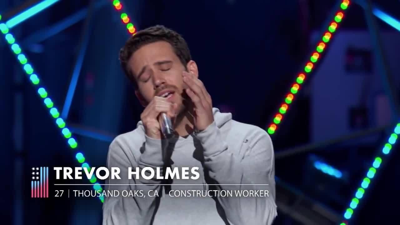 Katy Perry khóc khi thí sinh American Idol âu yếm bạn gái
