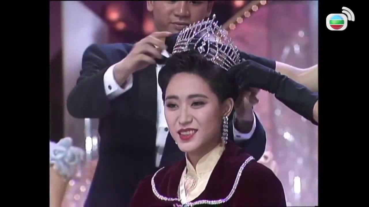 Hoa hậu Hong Kong bị xì xào 'không ai thèm cưới' ở tuổi 52