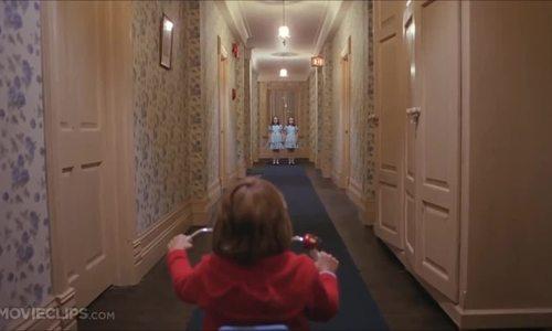 """Cảnh phim trong """"The Shining"""""""