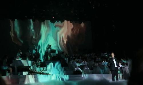 """Hà Anh Tuấn hát """"Tháng tư là lời nói dối của em"""" trong Fragile Concert 2016"""