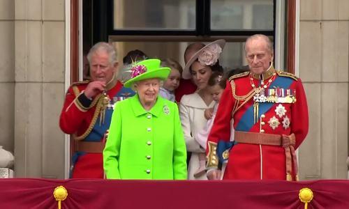Phong cách ăn vận của hoàng gia Anh thời nữ hoàng Elizabeth II