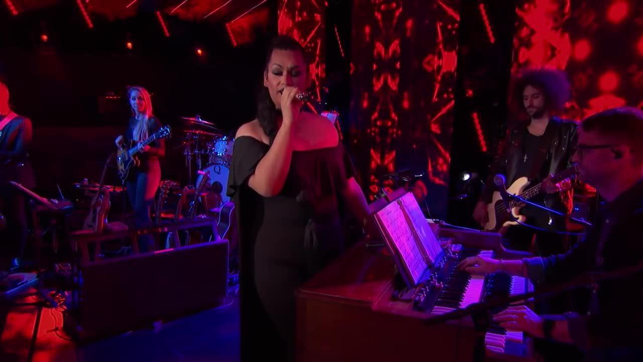 Ada Vox hát 'Feeling Good' của Nina Simone