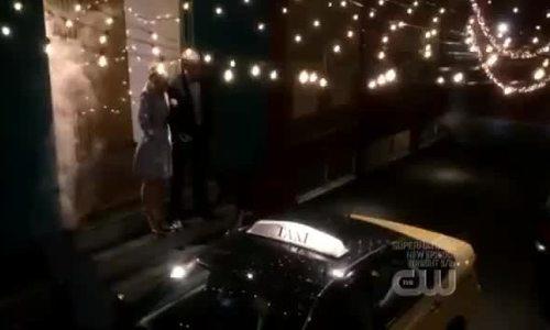 Diễn viên 'Thị trấn Smallville' bị bắt vì buôn bán tình dục