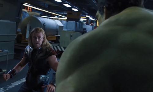 """Hulk đọ sức với Thor trong """"The Avengers"""""""