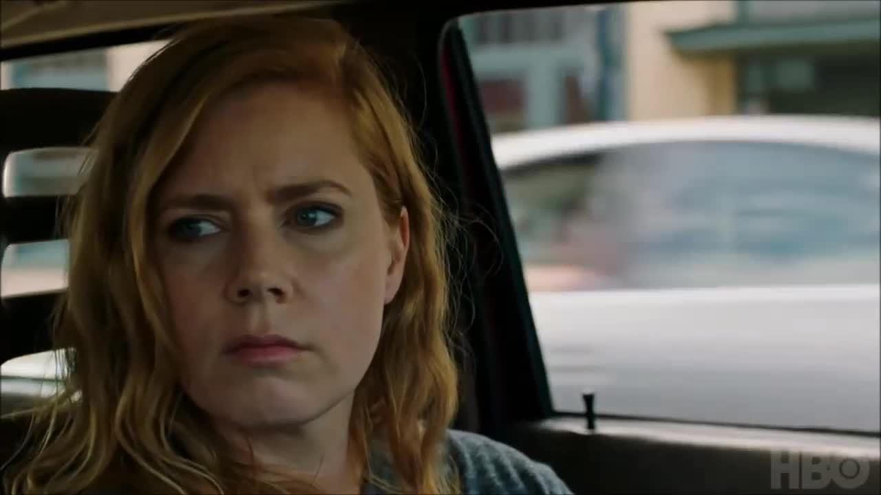 Amy Adams thủ vai nhân vật tâm thần bất ổn trong Sharp Objects