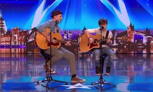 Cặp bố con khiến giám khảo Britain's Got Talent bật khóc