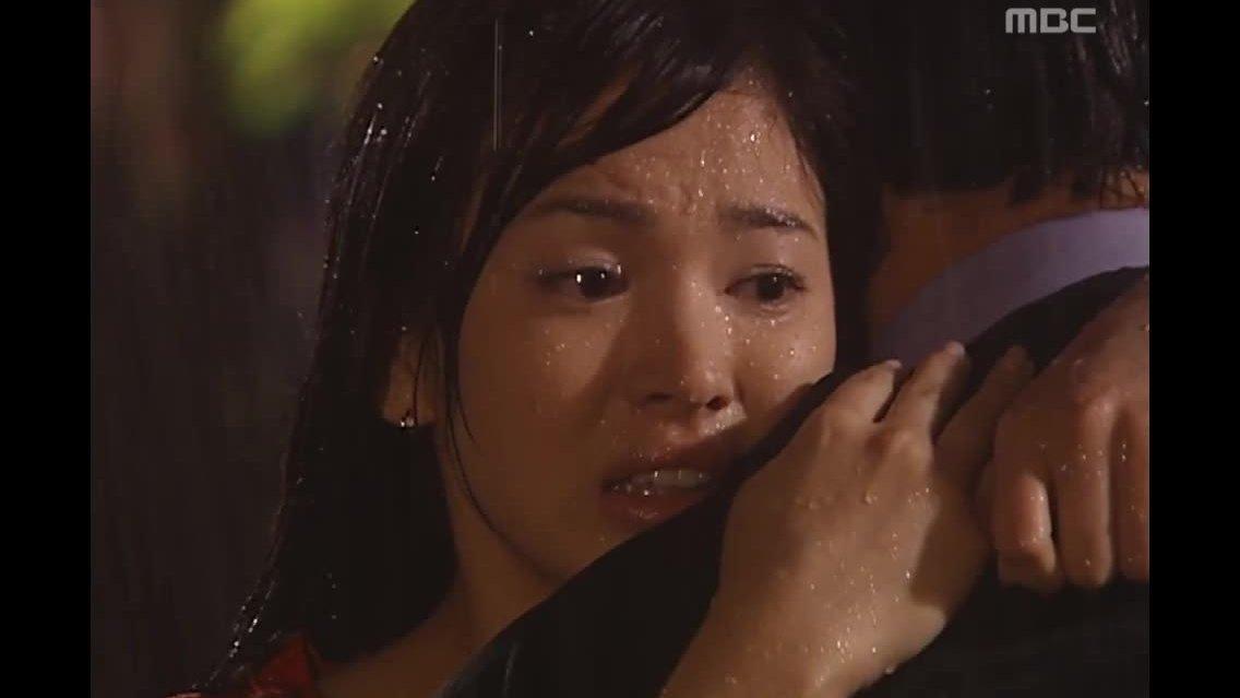 """Song Hye Kyo và Kim Seung Woo trong """"Người quản lý khách sạn"""""""