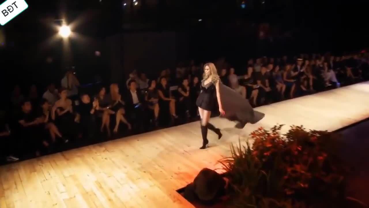 Những bước catwalk của Võ Hoàng Yến