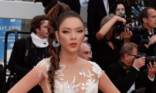 Lý Nhã Kỳ trên thảm đỏ Cannes ngày hai