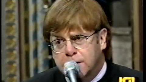 Elton John sẽ biểu diễn trong đám cưới hoàng gia Anh
