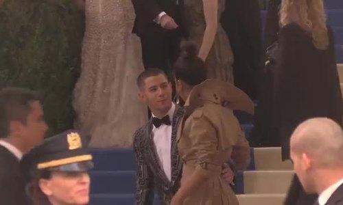 Priyanka Chopra và Nick Jonas tại Met Gala 2017