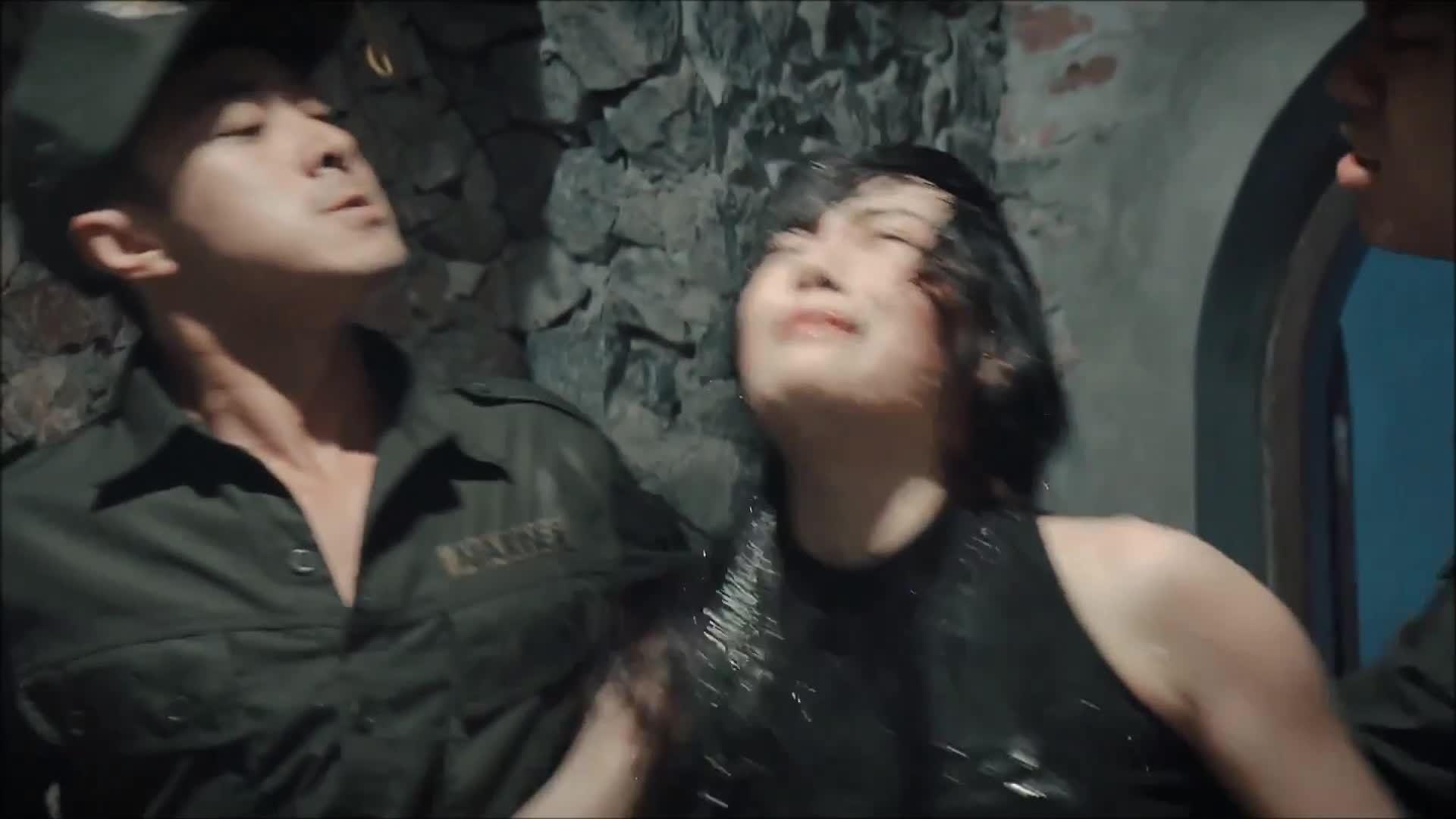 Một số cảnh trong tập đầu Quỳnh búp bê (phim về gái mại dâm)