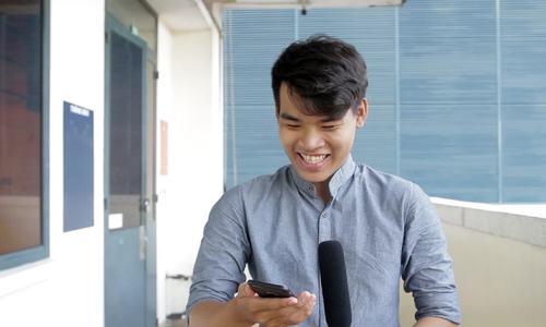 Người Việt nói về mốt quần jeans hở hết vòng ba