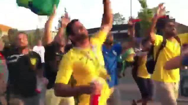 Cổ động viên Brazil chế nhạo Messi