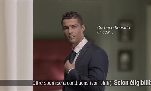 Cristiano Ronaldo sexy khi đóng quảng cáo