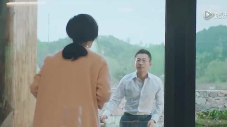 Khoảnh khắc lãng mạn vợ chồng Từ Hy Viên