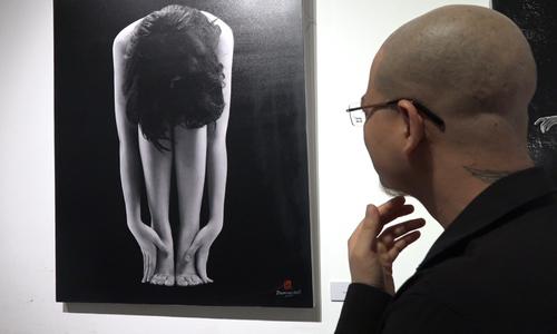 Ảnh Nude lần đầu tiên được trưng bày triển lãm tại Hà Nội