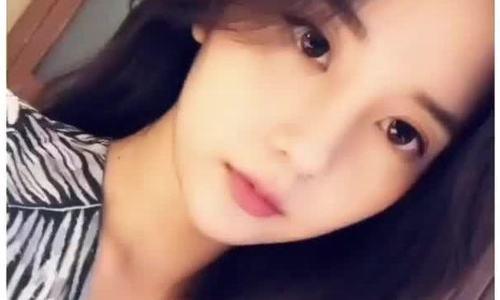 Khán giả chửi bới khi bạn gái cũ của T.O.P tới Hà Nội