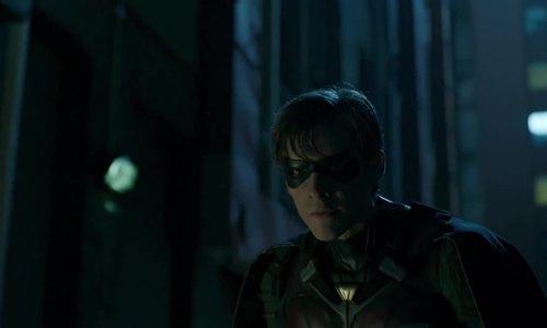Robin tái xuất trong Titans