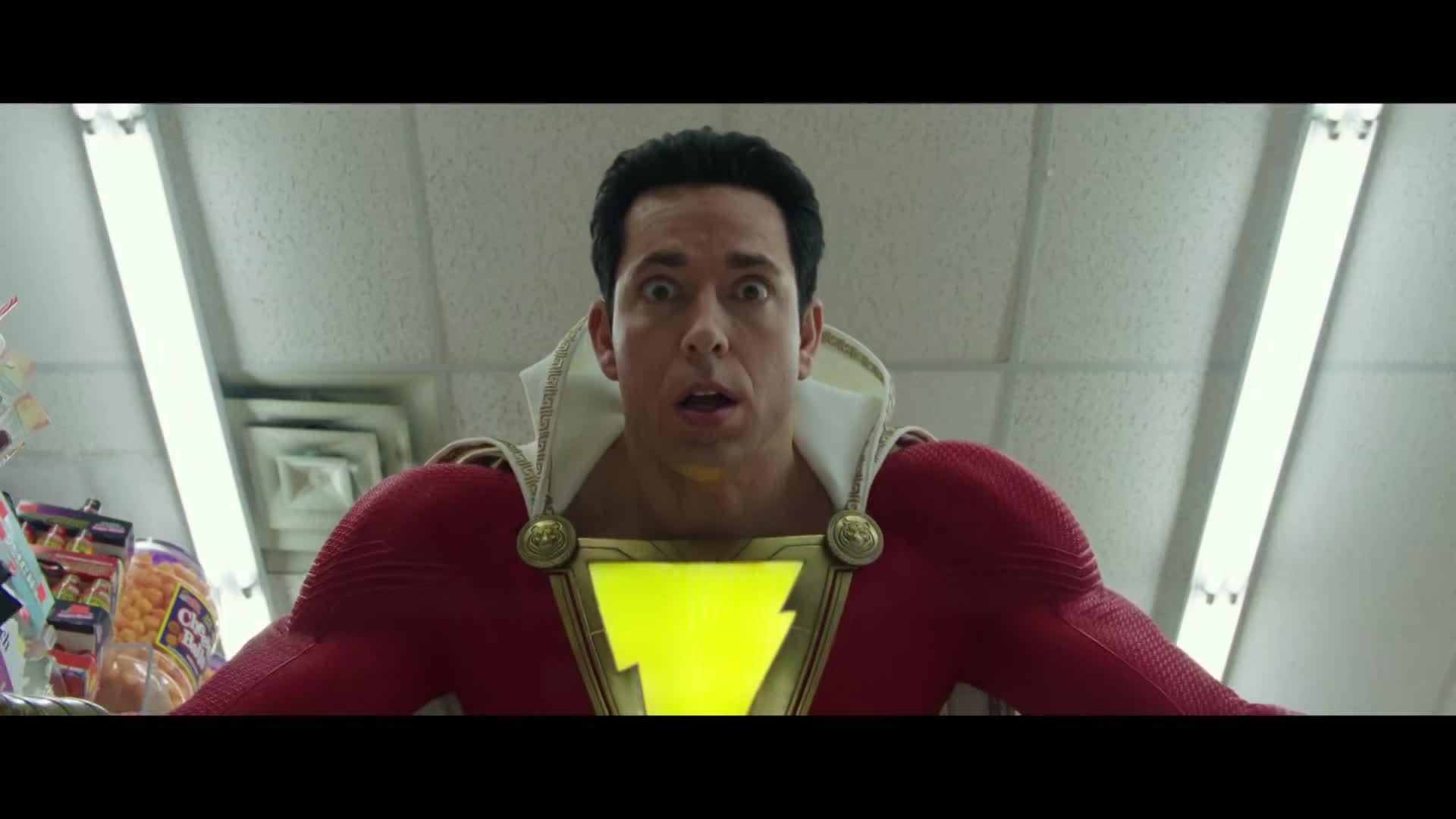 Cậu bé mồ côi hóa người hùng cơ bắp trong phim của DC