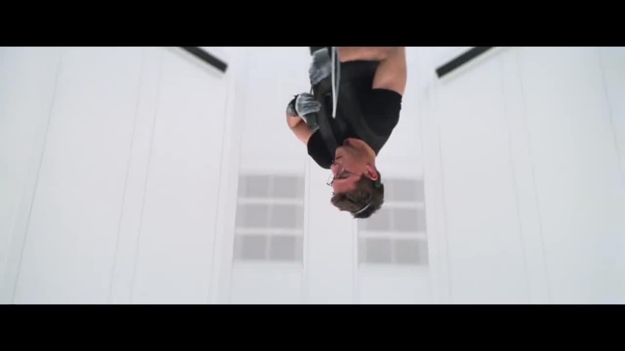 Tom Cruise diễn cảnh đột nhập trong Mission Impossible