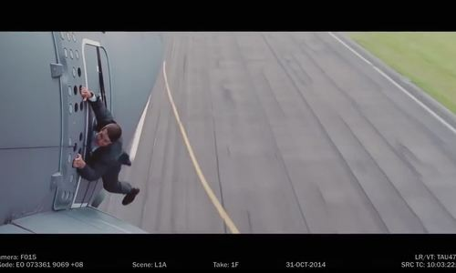 Tom Cruise đu máy bay trong Mission Impossible 5