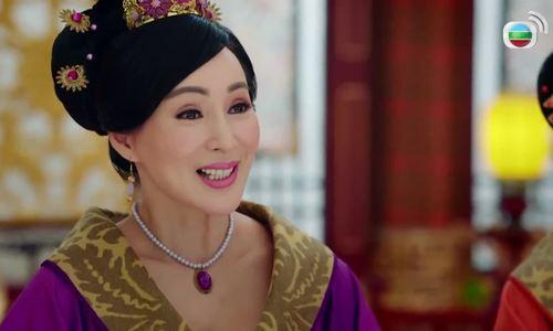 Hoa hậu châu Á khóc vì không đủ tiền nuôi con