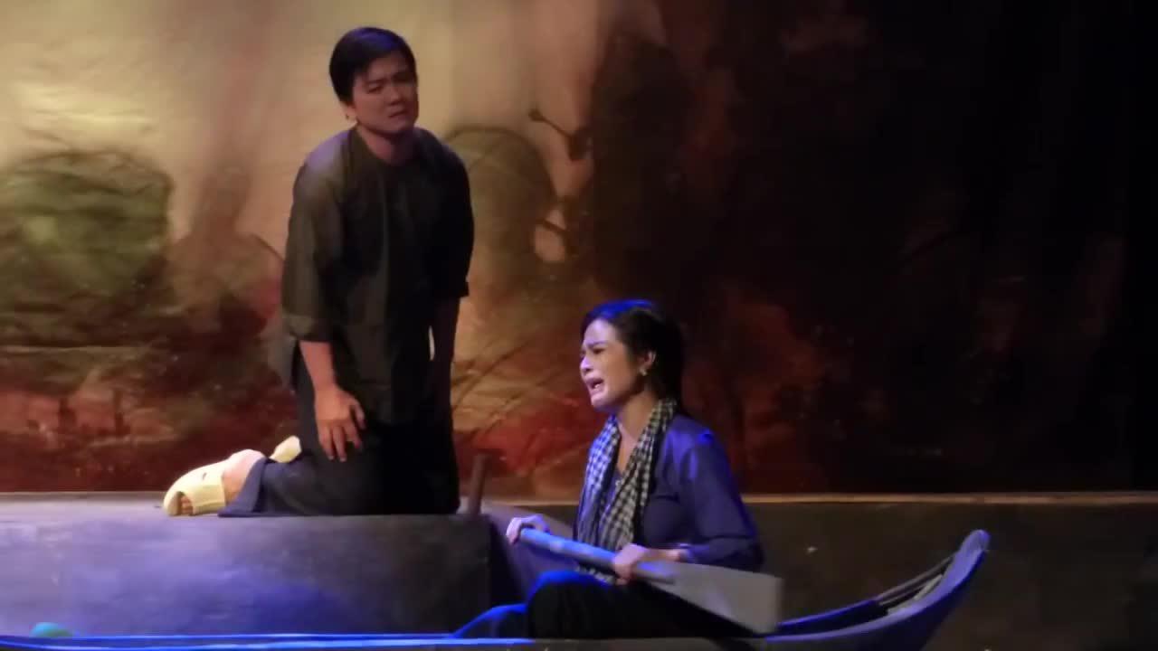 Cảnh cuối vở cải lương 'Hiu hiu gió bấc'