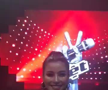 Hot girl đội Noo Phước Thịnh đăng quang quán quân The Voice