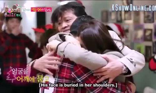 Jackson Wang khóc không ngừng khi gặp bố mẹ sau hai năm