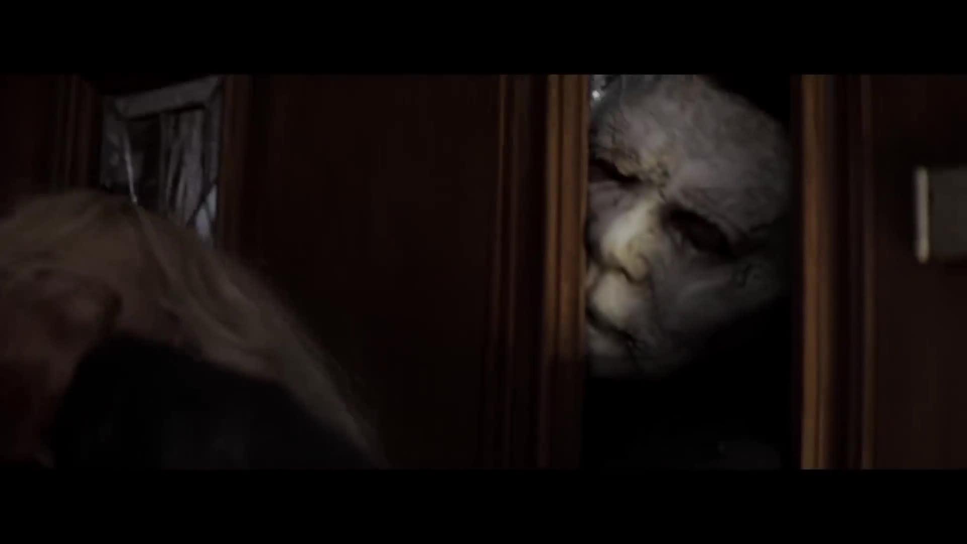 Michael Myers quay lại gieo rắc kinh hoàng trong Halloween