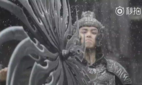 Hậu trường một cảnh quay dưới mưa trong phim Ảnh