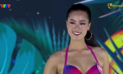 Nguyễn Hoàng Bảo Châudiễn bikini