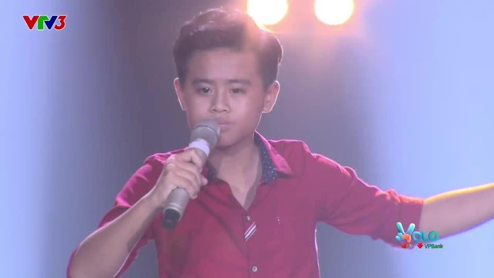 Cậu bé hát opera khiến huấn luyện viên The Voice Kids tranh giành