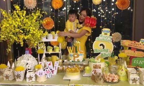 Dương Cẩm Lynh mừng sinh nhật con trai