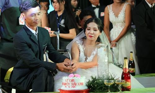 Đám cưới cho 40 đôi khuyết tật do nghệ sĩ Kim Cương tổ chức