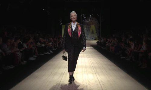 Maye Musk catwalk Dolce & Gabbana Xuân Hè 2019