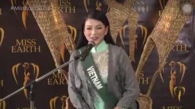 Phương Khánh ở phần thi phỏng vấn