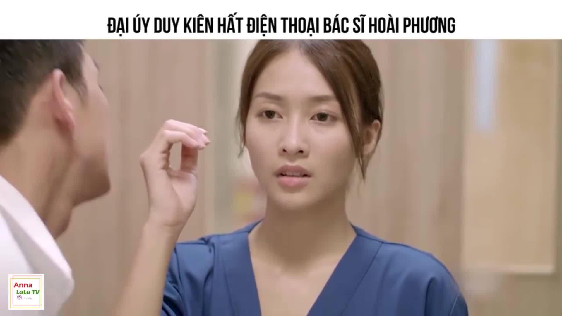 Cảnh hất điện thoại trong Hậu duệ mặt trời bản Hàn - Việt