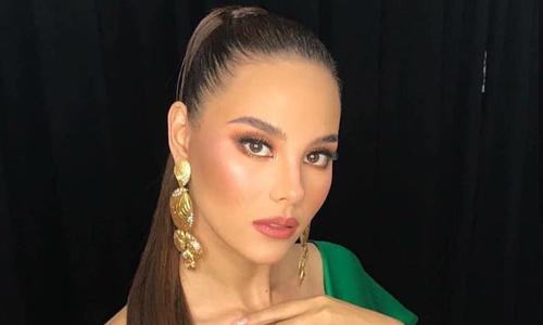 Hoa hậu Philippines cuốn hút ở sân bay