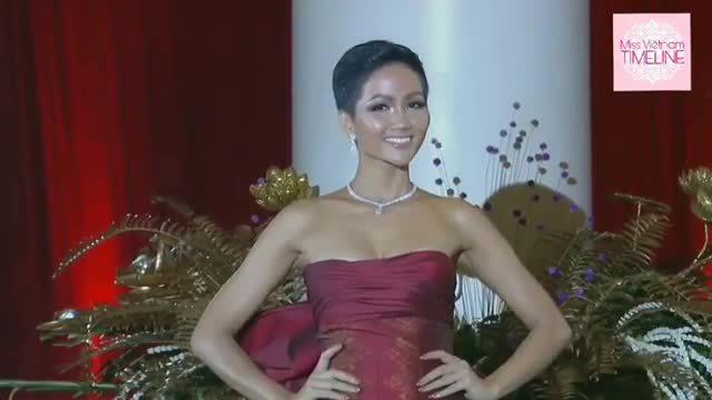 H'Hen Niê trình diễn váy xẻ đùi ở Miss Universe