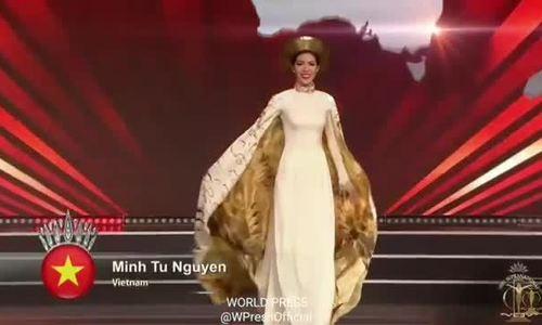 Minh Tú trình diễn 'Trang phục dân tộc'