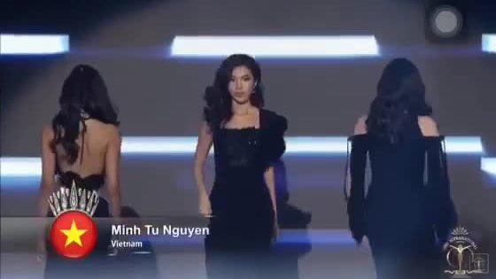 Minh Tú catwalk trong chung kết