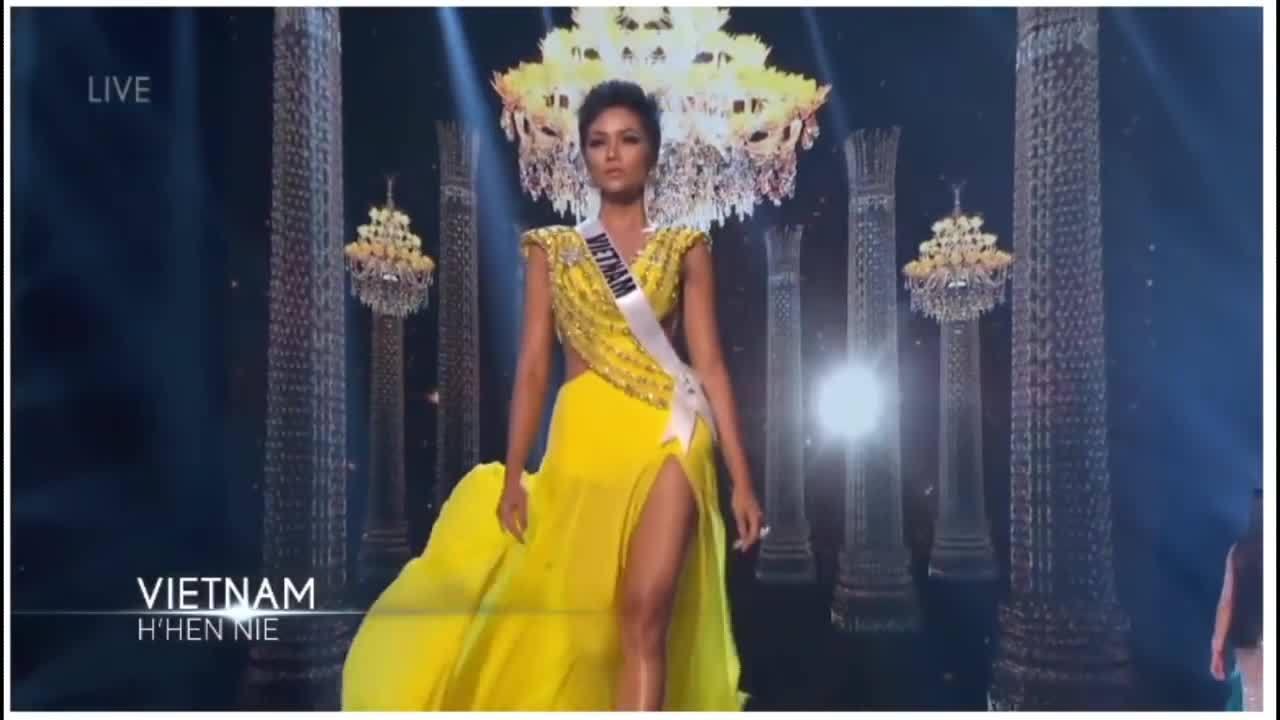10 thí sinh trình diễn trang phục dạ hội đẹp nhất