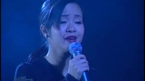 Hồng Nhung hát 'Vẫn hát lời tình yêu'