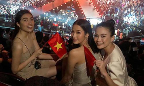Bạn bè, gia đình chia sẻ về thành tích của H'Hen Niê